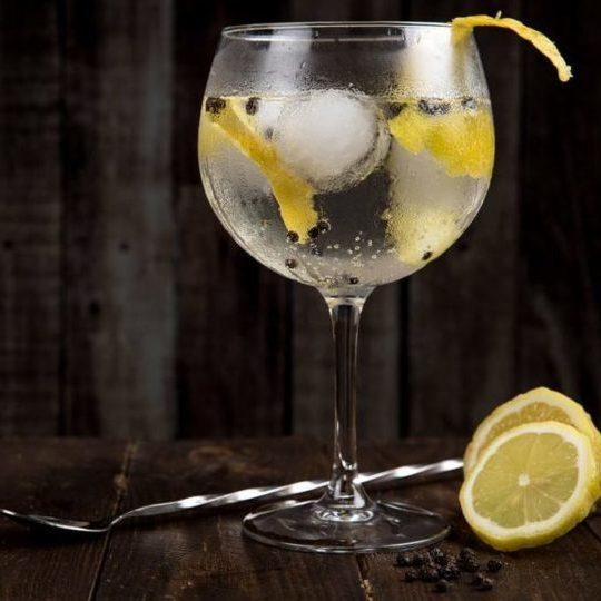 Gin & Tonic served in gin balloon glass